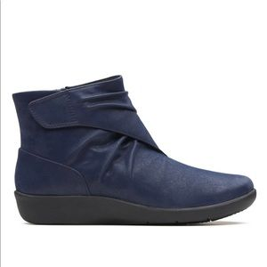 Clarks Sillian Tana CLOUDSTEPPERS Ruched Boots